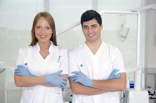 インプラント治療の浅草KT歯科